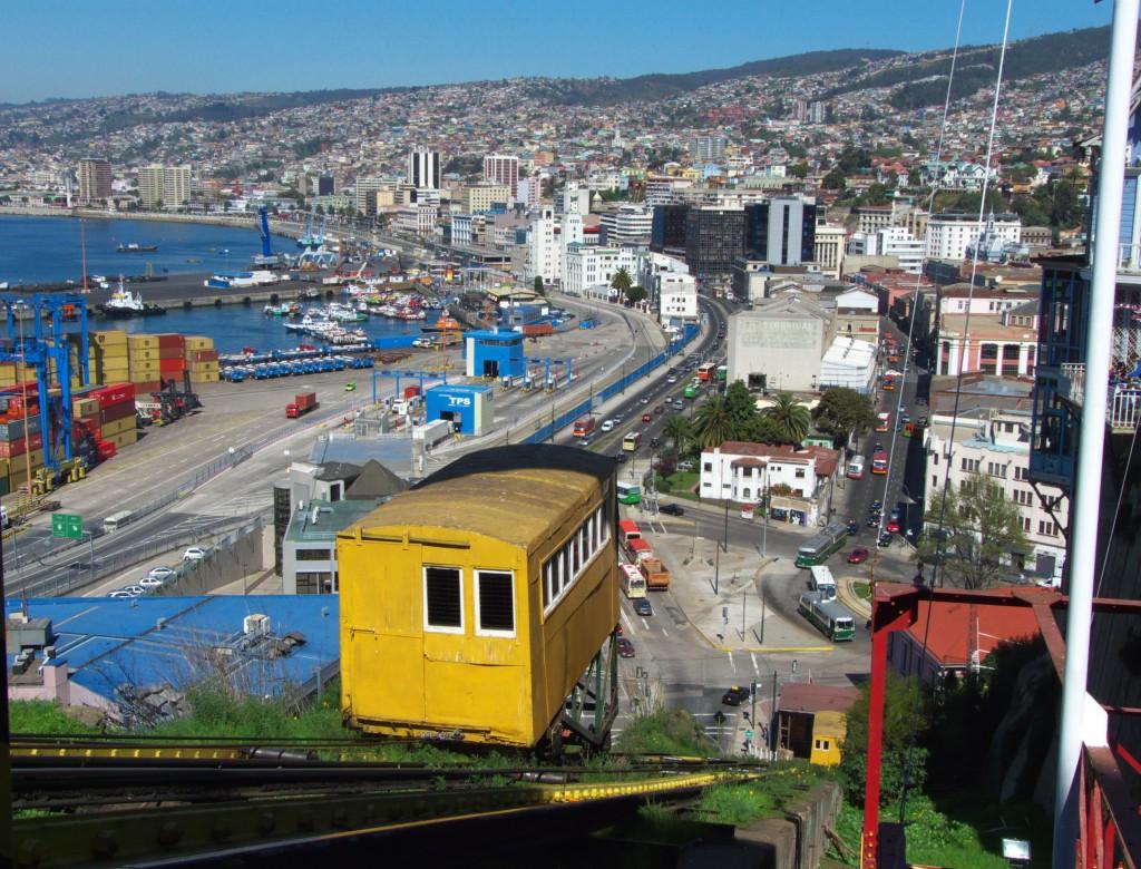 funicular-valparaiso-1